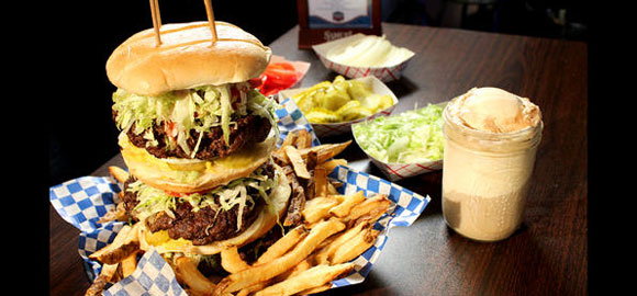 whammy burger challenge at burgers and blues mississippi